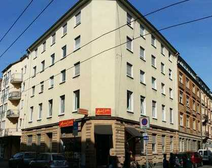 Zentral gelegene, helle und großzügige 2-Zimmer-Wohnung