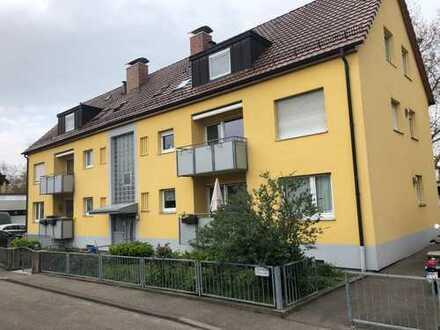 Top Kapitalanlage Mehrfamilienhaus, 6 Wohneinheiten mit je 4 Zi. Wohnngen,2 Garagen sowie Vorgarten
