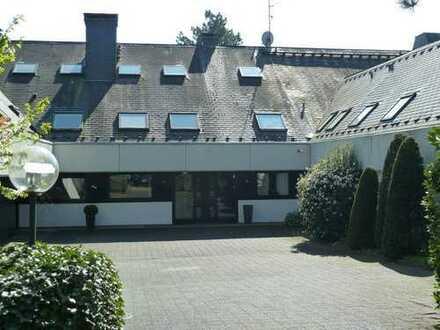 Repräsentative Wohnung mit Weitblick am Witthausbusch !