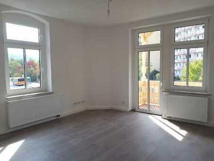 Zentrale, sanierte 4- Zimmer-Wohnung (Erstbezug!)