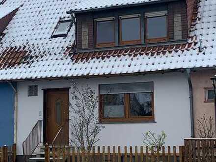 Ansprechendes 4-Zimmer-Reihenhaus mit EBK in Landau (Stadt), Landau