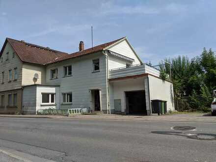 Haus mit zwei Wohnungen (2-, 3-Zi.) in Coburg Süd