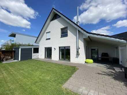 Modernes Einfamilienhaus in Wiedenbrück - Beste Lage und schönster Blick ins Grüne