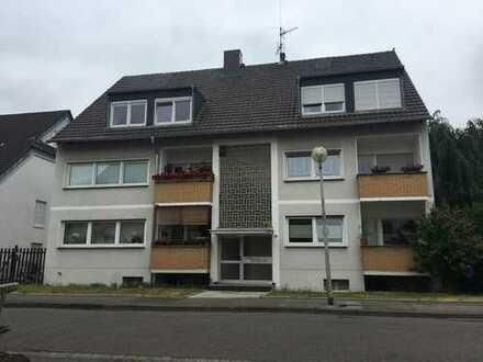 Helle Dachgeschosswohnung in guter Lage