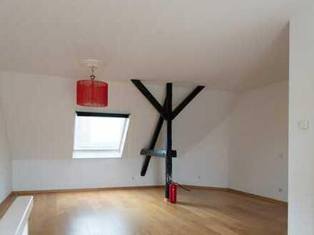 Renovierte Dachgeschoss-Maisonette in begehrter Trendlage