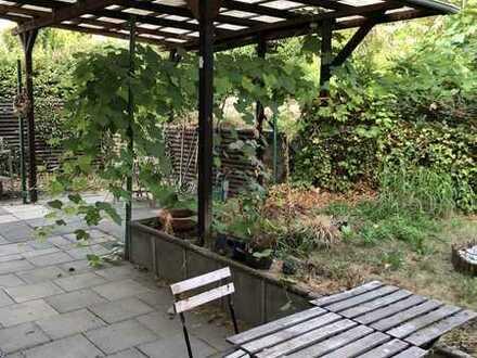 Attraktive 2-Raum-Wohnung mit EBK und großer Terrasse in Bonn Endenich