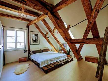 Einzigartige Maisonette-Wohnung mit Balkon und Einbauküche in der Altstadt von Markdorf