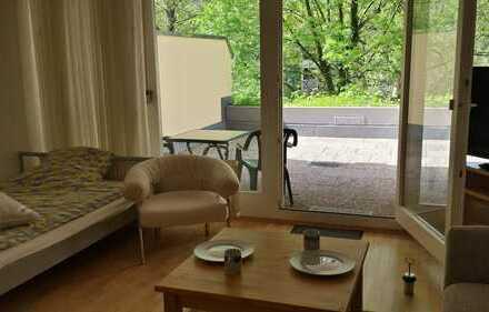 1 - Zimmer Wohnung möbliert mit großer Terrasse direkt am Neckarufer
