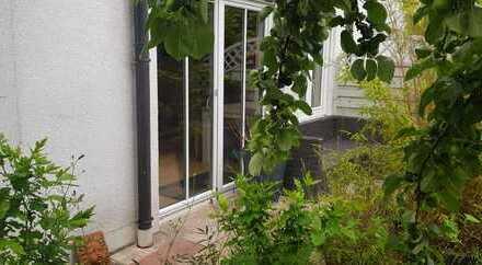 EG-Wohnung mit Garten