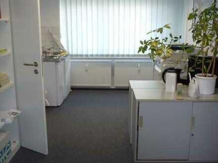 Schönes, helles Büro mit Wasseranschluss in Kölleda zu vermieten! Parkpl. ausr. vorhanden!