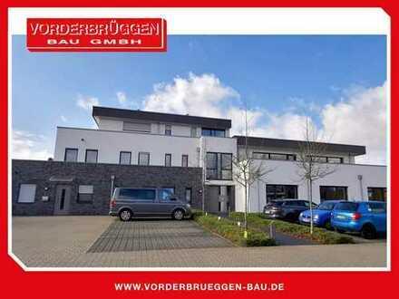MODERNE: 3 Zimmer-Obergeschosswohnung mit grosser Terrasse und Stellplatz