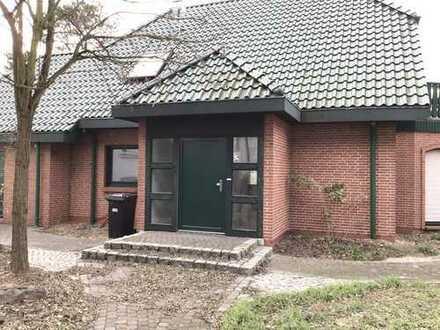 Einfamilienhaus zur Gewerblichen Nutzung z.b. Büro zu vermieten
