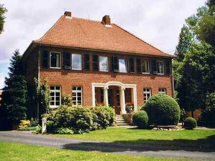 Velen ruhige ländliche Etagenwohnung mit Dachboden und Garten im Gutshaus