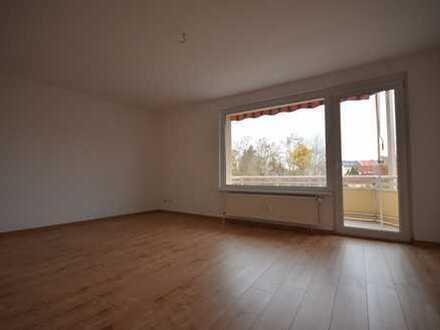 2-Raum-Wohnung im 1.OG*Balkon*Tageslichtbad mit Wanne*Stellplatz mögl.