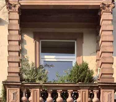 Schmuckstück in Hanau... Charmante, großzügige Stilaltbau-Wohnung nahe Schloßgarten.