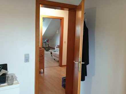 Gut geschnittene , helle 3 Zimmerwohnung mit 1 KB in 64331 Weiterstadt