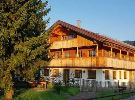 Attraktive und großzügige Erdgeschoßwohnung mit Terrasse in Lenggries/Wegscheid