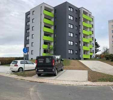 Provisonsfrei! Top sanierte Drei Zimmer Wohnung in Selb-Plössberg!
