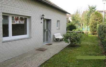 Provisionsfrei - renovierter Bungalow mit Garten und Garage in Aachen, Brand