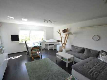 Exklusive, modernisierte 3-Zimmer-Wohnung mit Balkon und Einbauküche in Böblingen