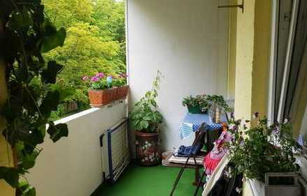 **Kuscheliges Zuhasuse** Gut geschnittene 4-Zimmer-Erbpachtwohnung in München-Moosach nähe OEZ