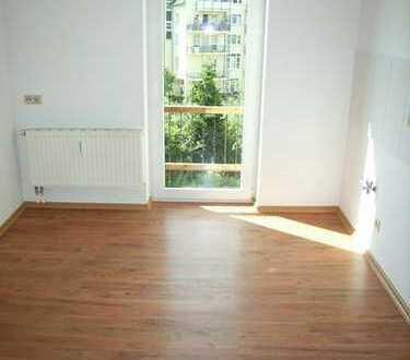 2-Zi-Wohnung im I. OG mit sonnigem Balkon in ruhiger, zentrumsnaher Lage!