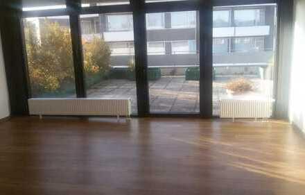 Moderne 3 ZKB Wohnung mit großer Dachterrasse