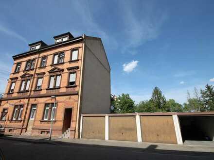 Mehrfamilienhaus mit Potenzial in Mannheim-Neckarau