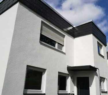 Luxuriöses, geräumiges Haus mit acht Zimmern im Hochtaunuskreis, Bad Homburg vor der Höhe