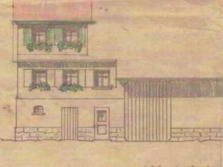 Ehemaliges Bauernhaus mit großem Garten und Ausbaupotential in historischem Ortskern!