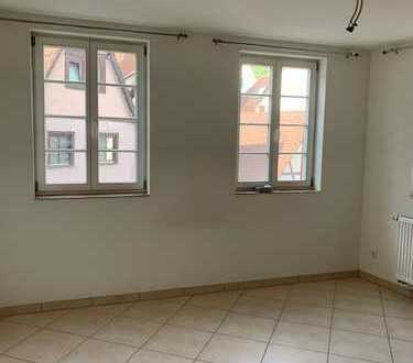 Gepflegte 1-Zimmer-Wohnung mit Einbauküche in Leonberg