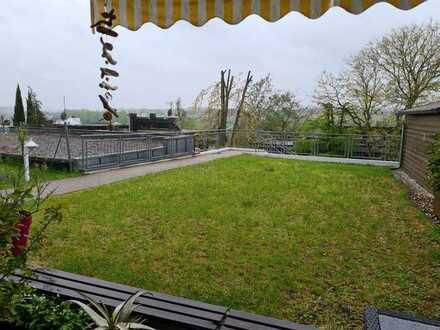 Gepflegte 2,5-Zimmer-EG-Wohnung mit Balkon und Einbauküche in Remseck am Neckar