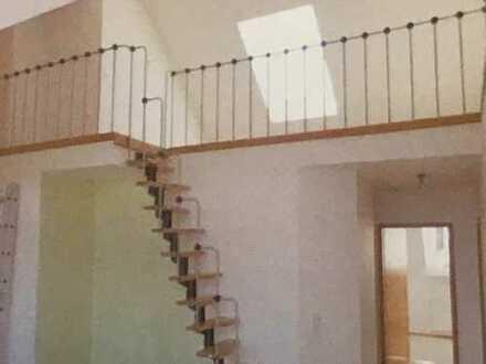 Exklusive helle 3 Zimmer Maisonette Wohnung mit Balkon und TG-Stellplatz von privat - ohne Maklergeb