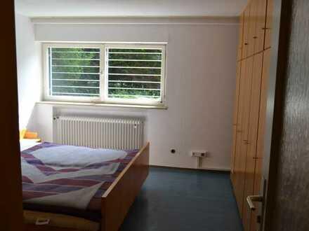 1 Zimmer in 4-er WG-Wohnung Souterrain in Bad Urach zu vermieten