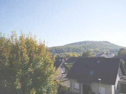 Erstbezug nach Renovierung mit Einbauküche und Balkon: schöne 3-Zimmer-Wohnung in Bad Driburg