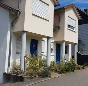 Schöne Doppelhaushälfte mit fünf Zimmern im Saarpfalz-Kreis, Wittersheim