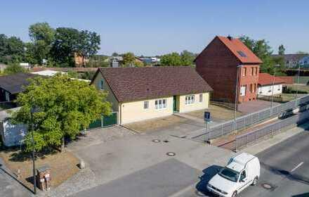 Gewerbeobjekt mit Nebengebäuden und EFH auf großem Grundstück