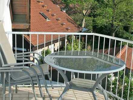 Gut geschnittene Wohnung mit Südwestbalkon, Stellplätzen und kleinem Garten