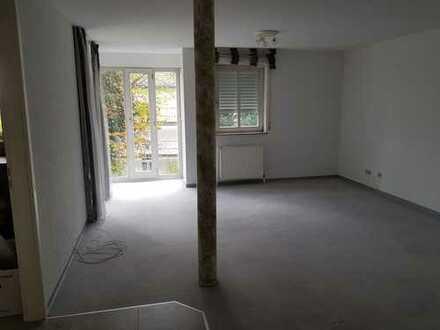 Gepflegte 3-Zimmer-Wohnung mit Balkon, EBK und Stellplatz in Göppingen