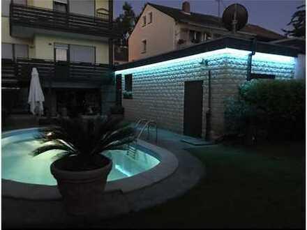 REMAX - !! Sommer, Sonne, Swimmingpool !! Herrliches 2 Familienhaus !!!