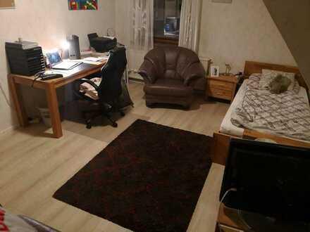 Möbiliertes Zimmer ca. 20qm für gute 3 Monate zu vergeben