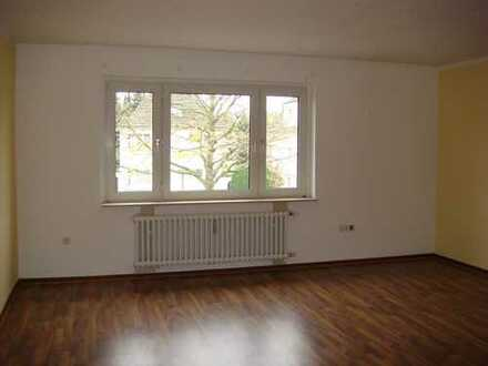 Geräumige, gepflegte 2-Zimmer-Wohnung zur Miete in Köln-Dünnwald, Leuchterstr.