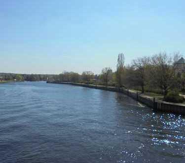 idyllisch am Wasser + Bootssteg + Südterrasse mit Havelblick --- für Anspruchsvolle