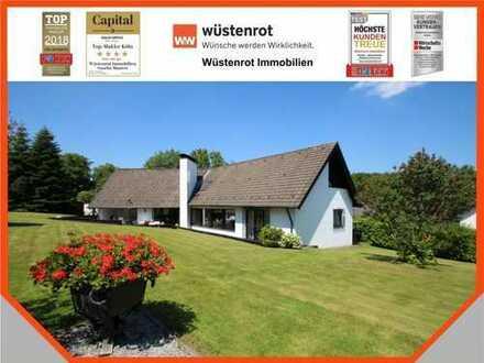 Wohnen wie im Paradies! Traumhaft schönes Einfamilienhaus im Landhausstil mit großem Parkgrundstück!