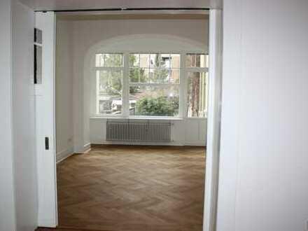 Erstbezug nach Sanierung! 4 Zimmer Jugendstilwohnung mit Terrasse und Garten in ruhiger Südlage