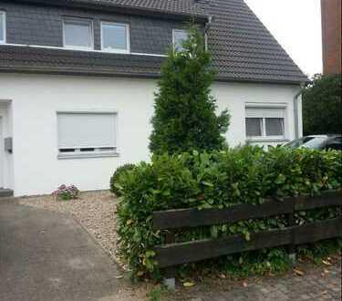 Gepflegte 2-Zimmer-Maisonette-Wohnung mit Einbauküche in Bremen
