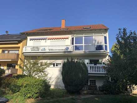 Vermietetes Mehrfamilienhaus mit Balkonen, Wintergarten, 2 Carports und schönem Grundstück!