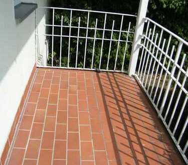 Tolle 3 Raumwohnung; Balkon; EBK; Bad mit Fenster, SAT-Anlage