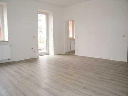 Großzügige 1 Raumwohnung mit Balkon in Parknähe!!!