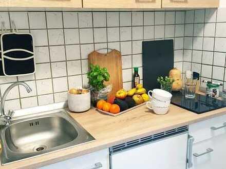 Stilvolle, modernisierte 1-Zimmer-Wohnung mit Balkon und Einbauküche in Germersheim